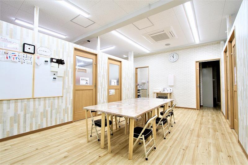 大阪市児童デイサービスゆりいか様内装デザイン (2)