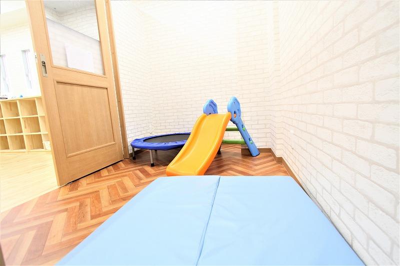 大阪市児童デイサービスゆりいか様内装デザイン (5)