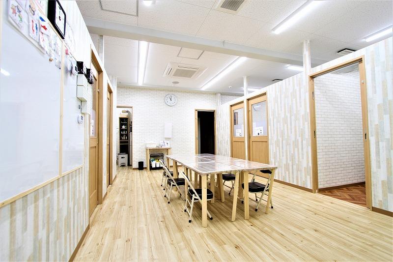 大阪市児童デイサービスゆりいか様内装デザイン (3)