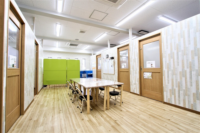 大阪市児童デイサービスゆりいか様内装デザイン (1)